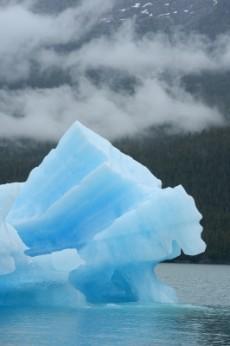 iceberg15040303